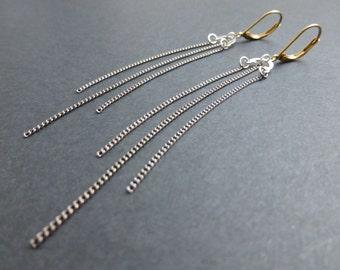Arthemise - Festive and pending earrings - Raw brass - Fine chain - Gun metal