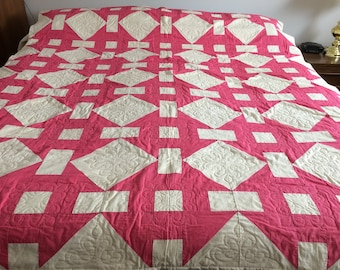 Vintage quilt / queen size / 1960s fabric & quilt / hand pieced / hand quilted / traditional 'churn dash' nine patch pattern / pink / ivory