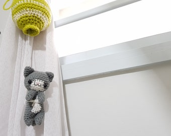 Crochet Gwen the Cat Curtain Tie