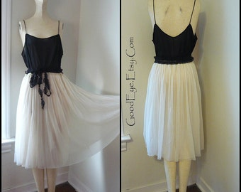 Vintage Black and White Nylon Night Gown / size Small Medium / SCREAMING to be a DRESS 1960s