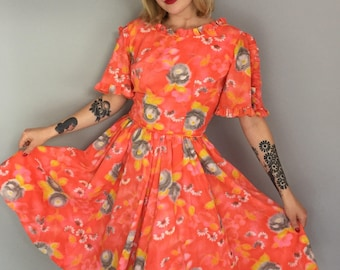 Medium 1960s floral melon fit and flare dress/60s circle skirt dress