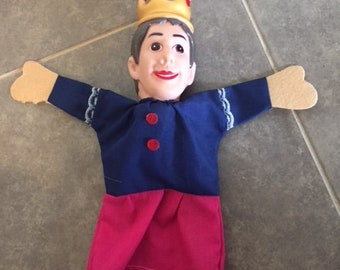 Hand Puppet King