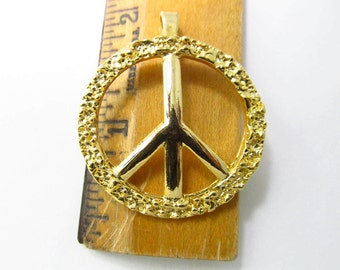 Vintage Gold-Plated Peace Sign Pendant Pd819