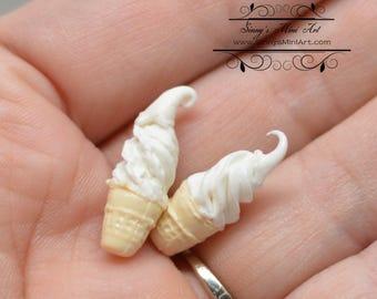 1:12 Dollhouse Miniature Two Vanilla Ice Creams/ Miniature Ice Cream BD K2542