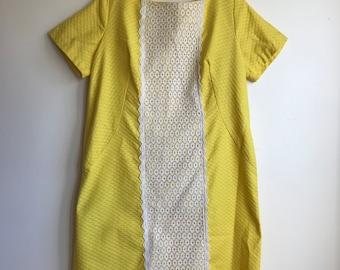 1960s Bright Yellow White Lace Shift Dress Size XL