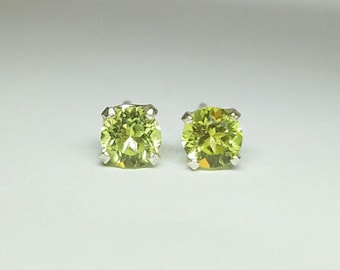 Sterling Silver 4mm Round Faceted Green Peridot 4 Prong Stud Earrings