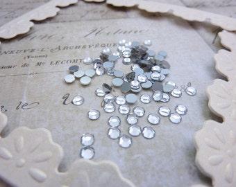 Rhinestone Vintage Swarovski SS12  3mm Glass Chaton Rose Crystal Comet Argent (25)