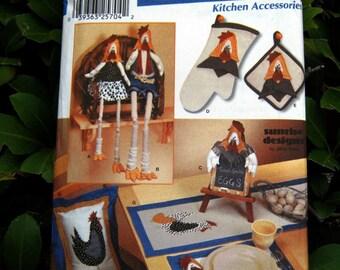 Uncut Pattern - Simplicity 7166 - Easy Kitchen Accessories - Hen Pattern