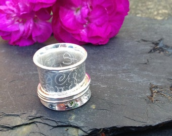 British handmade heavy weight chunky silver engraved pattern 3 band spinning ring with hidden 'stay strong' message.