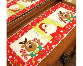 Those Silly Reindeer quilted table runner pattern