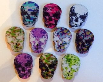 10 Wooden Skull Buttons - #H-00001