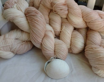 Quahog Clam, Sock yarn