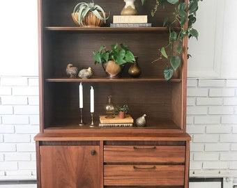 Dinstinctive Furniture By Stanley Hutch