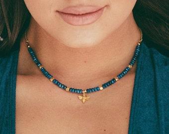 gold bumblebee necklace, lapis lazuli gemstone necklace, gold and blue gemstone necklace, bumble bee charm necklace, gemstone choker