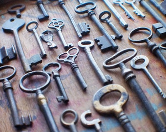 Bent and Broken Antique Keys - Bulk Keys - Wholesale Key Lot - Instant Collection