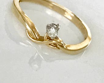 Diamond Promise Rings For Her, Dainty Promise Ring, Solitaire Promise Ring, Curved Wedding Band, Diamond Wedding bands For Her