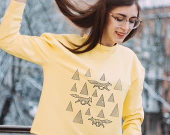 "Yellow sweatshirt with prints ""wolves in the forest"""
