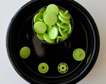 10 snap KAM T8 Apple green gloss with 2 identical T8 caps!