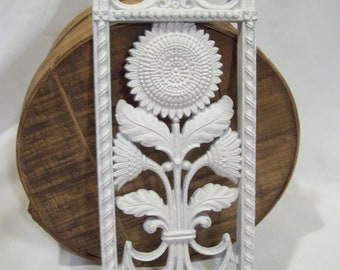 Homco Floral Wall Plaques Sunflower OR Thisel Plastic Wall Deco Hollywood Regency Dart  Garden Flowers