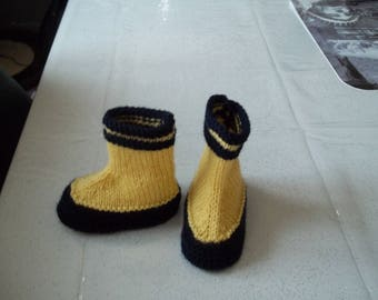 such baby booties boots site 0-3 months.