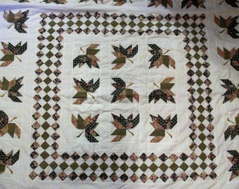 """Quilt Hand Quilted 82"""" X 92"""" Leaves & Diamond Shapes on White"""