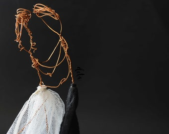 Wedding cake Topper Wire-newlyweds in wire and copper, wedding-decorations custom wedding cakes