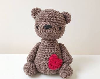 TEDDY BEAR amigurumi with a little heart, amigurumi bear, crochet bear, teddy bear baby gift, teddy bear crochet toy