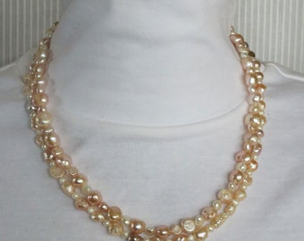 Mauve and White Freshwater Pearl Beaded Necklace