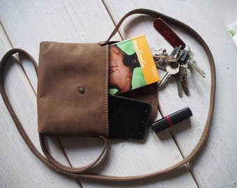 Leather crossbody bag, Small Leather Bag, Crossbody Bag, Small crossbody bag, Light Travel Purse, Travel purse, Travel case, Gift for her