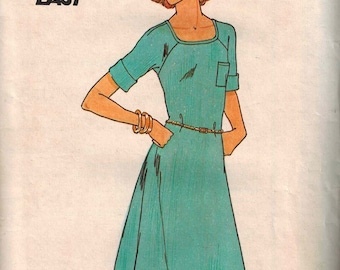 1970s Butterick 5256 Fast and Easy  Dress Sewing Pattern Vintage Size Large 16-18 Easy to Sew