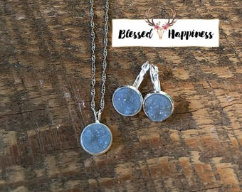 "Light Gray Druzy 22"" Necklace and Dangle Earring Set"
