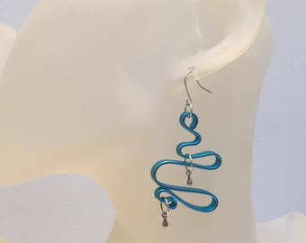 ABSTRACT charms and blue flat aluminum Wire Earrings