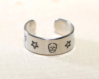 Adjustable ring in aluminum with Skull and Stars - RG841