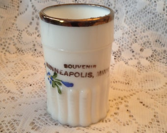Free Shipping Collectible Minneapolis Souvenir Mug Early 1900's Hand Painted Milk Glass Antique