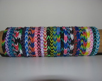 Rainbow Loom rubber band stretch bracelet lot of 30 fishtail pattern made to order you choose colors