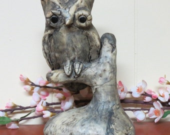 Vintage Owl Figurine ~ Grey Color ~ Kitschy Decor ~ Owl Collector ~ 70's Decor ~ Retro ~ Owl Statue