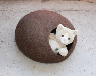 Pet bed - cat cave - cat house - dog bed - handmade wool cat bed - eco - Brown - Easter day gift