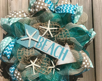 Beach wreath, burlap wreath, starfish wreath, seashell wreath, southern wreath, spring wreath, summer wreath, deco mesh wreath