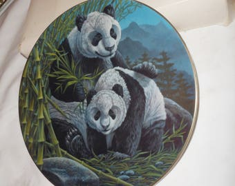 THE PANDAS Collector's Plate by Gene Dieckhoner - 1980 - 2nd in Vanishing Animals Series
