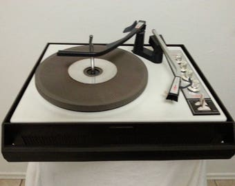 Vintage Silvertone Model 3266 Suitcase Turntable/Working Condition
