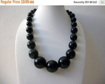 ON SALE Retro Chunky Graduated Design Black Plastic Beads Necklace 71017