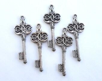 Silver key charms, 5 pcs, antique silver 45mm keys, large keys pack of 5 CS031