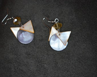 Shell Disc with Triangles earrings / Free Shipping