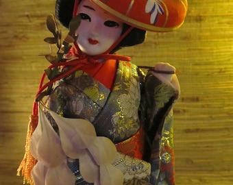Vintage Japanese Geisha Figurene