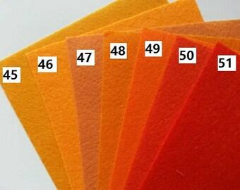 numéro 45 feuille de feutrine unie 15 cm *15cm dans les tons orange