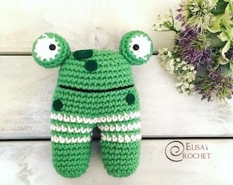 Crochet Amigurumi Frog Rattle Toy / Baby gift Organic Teether / Baby Shower gift / Infant teething toy Newborn / Nursery Toy