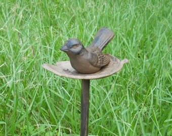 Aluminum Bird in Nest Garden Hose Guide