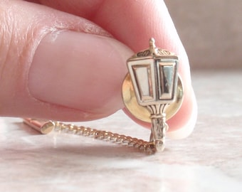 Carriage Lamp Tie Tack Gold Tone with Clutch Vintage V0635