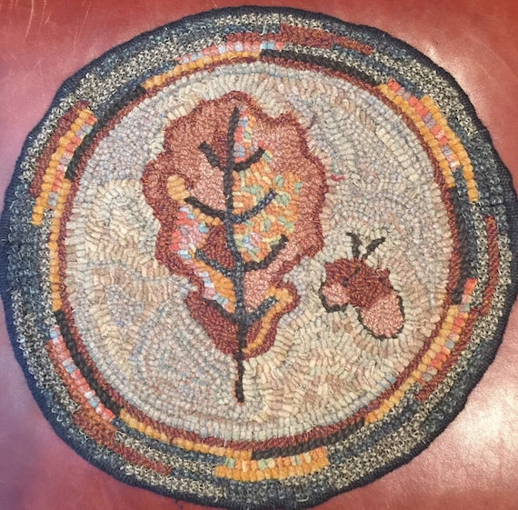 """Primtive Rug Hooking Pattern for """"Oak Leaf"""" Chair Pad  14"""" Round/Fall Hooked Rug/Primitive Chair Pad/ Hooked Table Mat/Pillow  P160"""