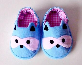 Elastic Baby Booties, Raccoon Baby Shoes, Sky Blue Baby Shoes, Fabric Baby Shoes, Prewalker Booties, Newborn Infant Booties, Cute Raccoon 03